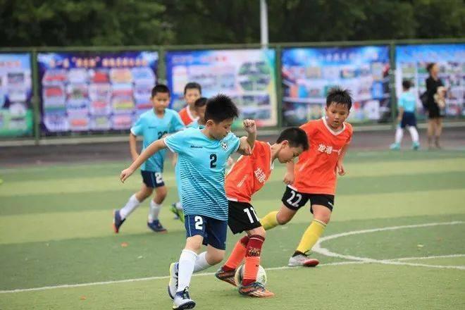 龙港市中小学校园足球选拔赛开锣鸣哨