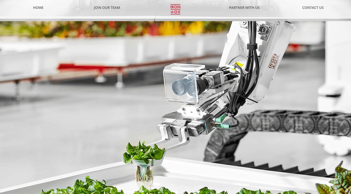 通过温室农场自动化种植蔬菜,美国农业机器人公司「Iron Ox」获 2000 万美元 C 轮融资