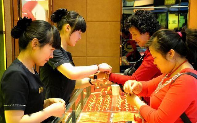 水晶品牌排行榜_2020年中国珠宝首饰品牌排行榜