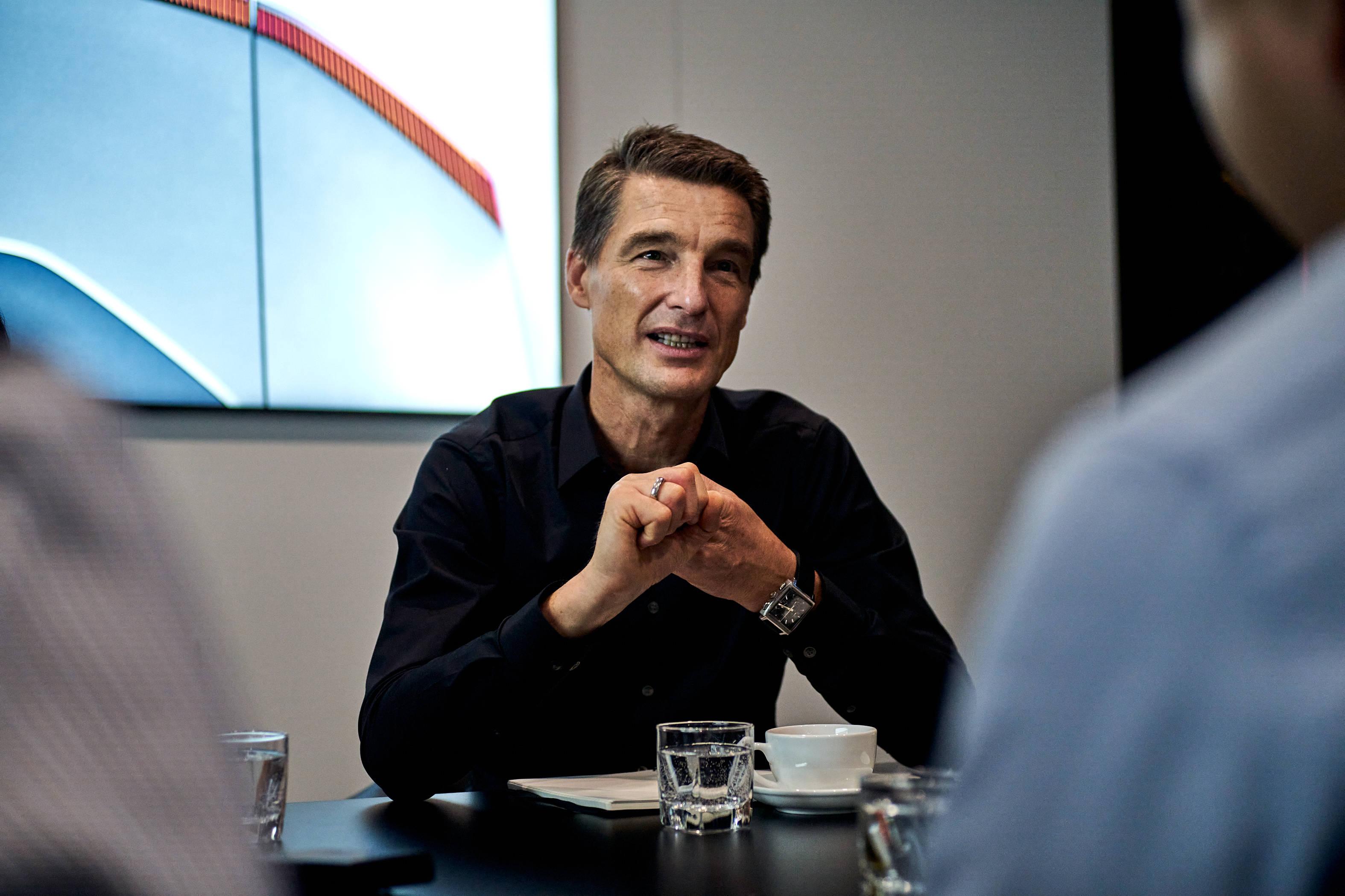 对话⑨|极星寰球CEO托马斯:心愿一夜赶超特斯拉的归天太机动