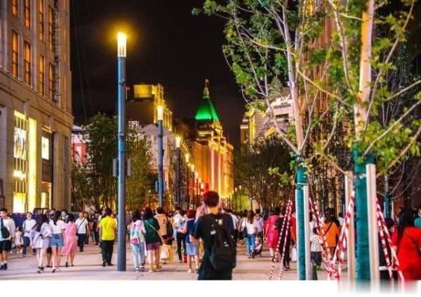 上海8月社零总额同比增11.5%,领先全国平均水平11个百分点
