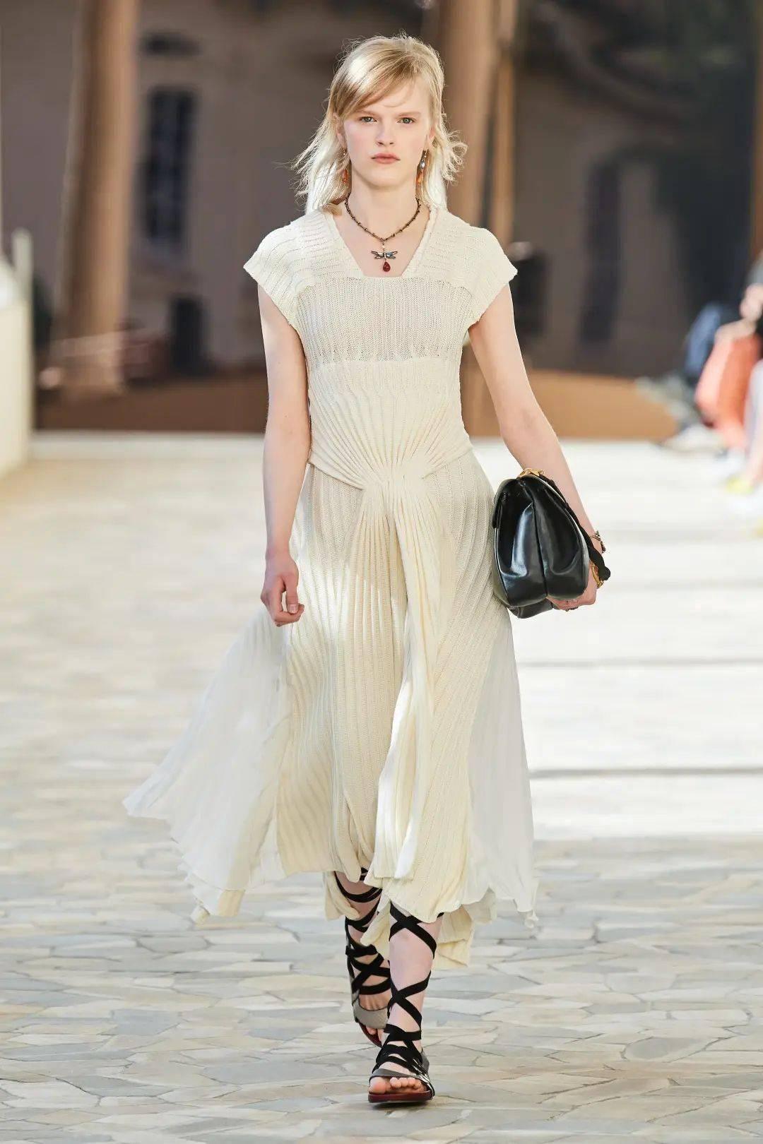 2021米兰春夏时装周,美丽的事物带来新的希望 下
