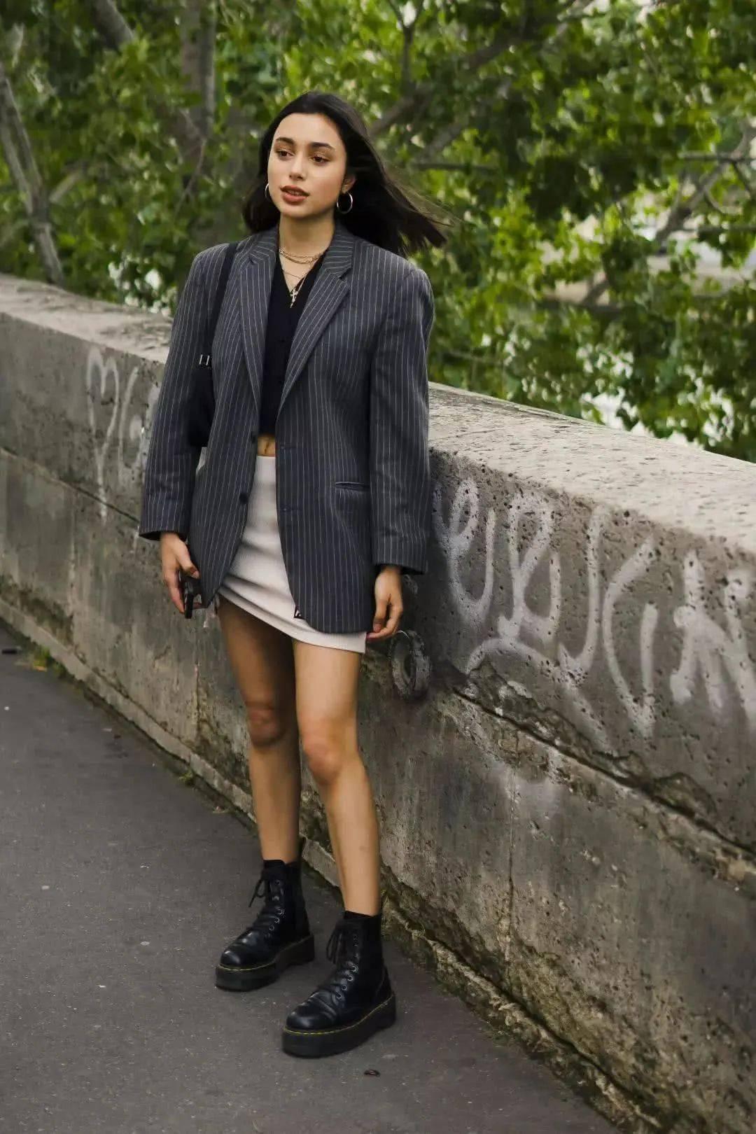 马丁靴+裙子,马丁靴+工装裤……又酷又撩,时髦炸了!     第68张
