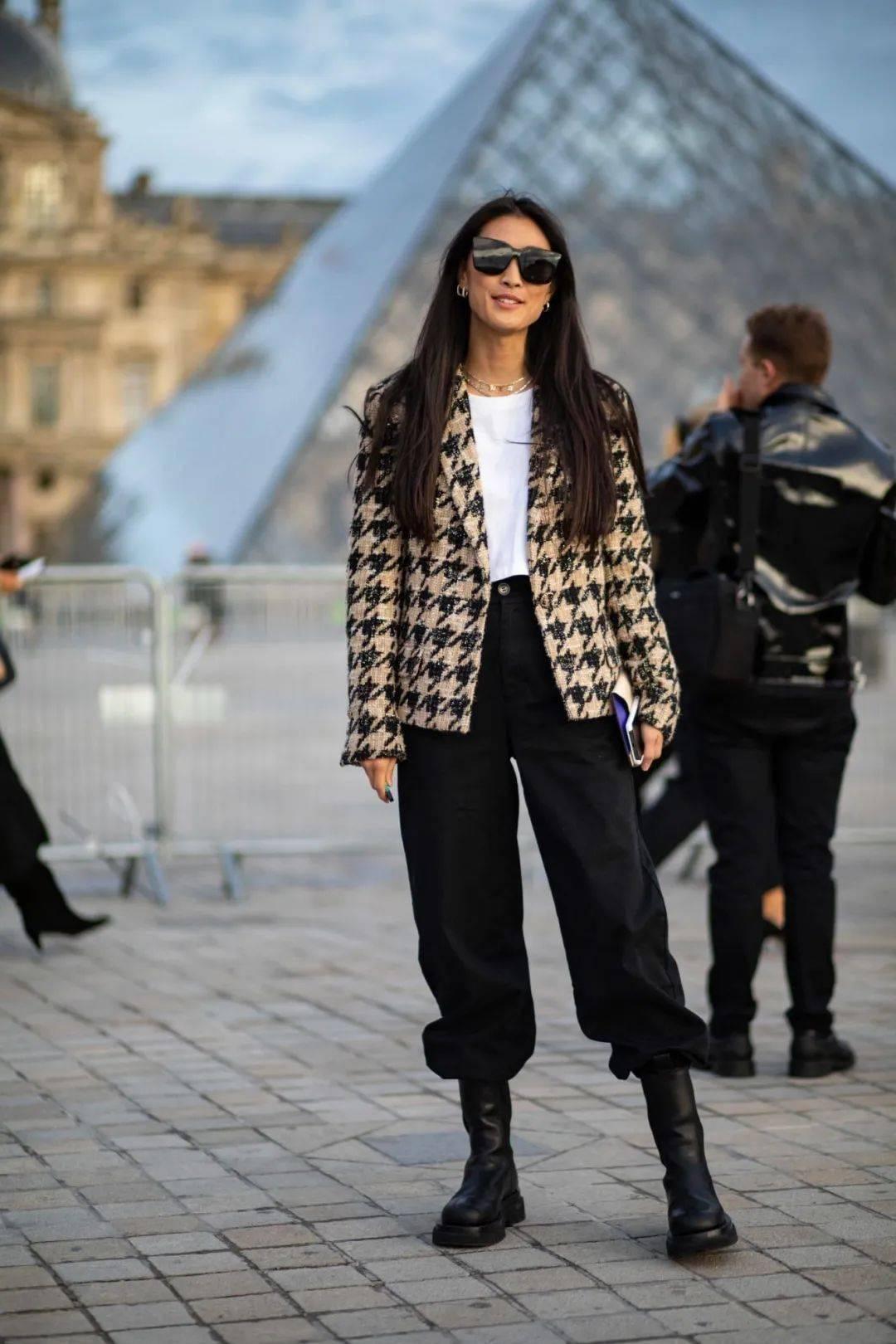 马丁靴+裙子,马丁靴+工装裤……又酷又撩,时髦炸了!     第36张