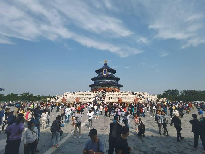 国庆假期999万游客畅游北京公园