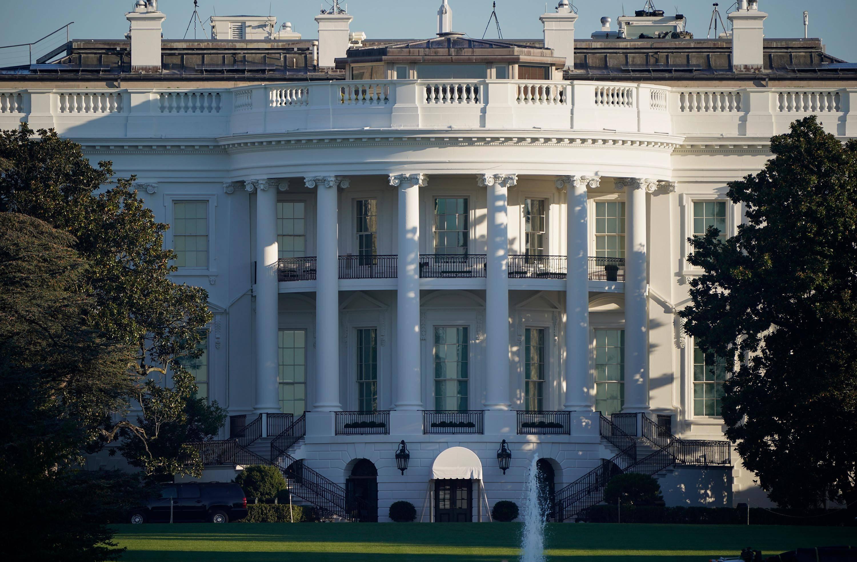 美媒:两名白宫工作人员数周前已确诊新冠肺炎