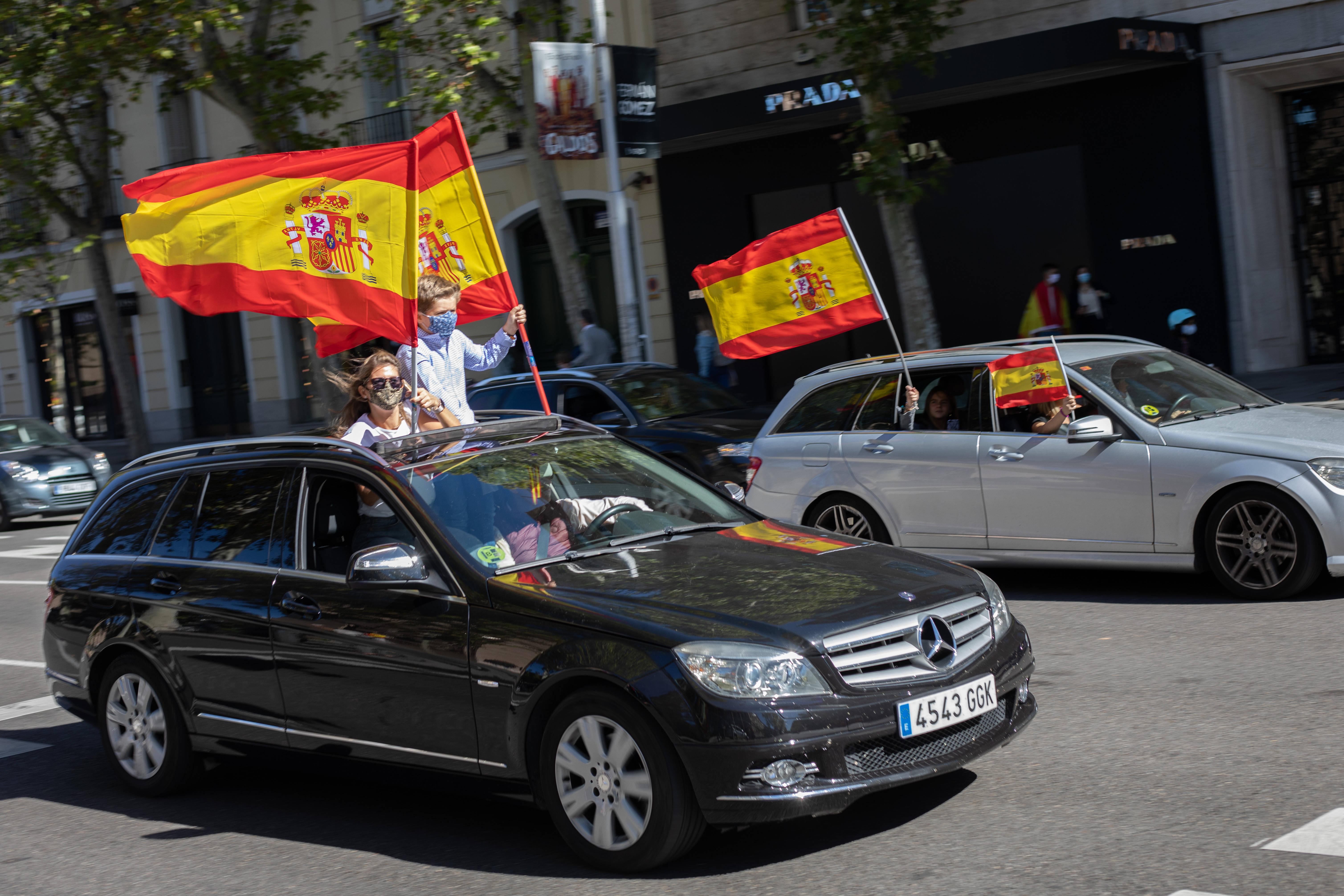 西班牙:疫情下的国庆日