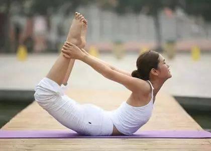 练瑜伽时打哈欠千万别憋着!