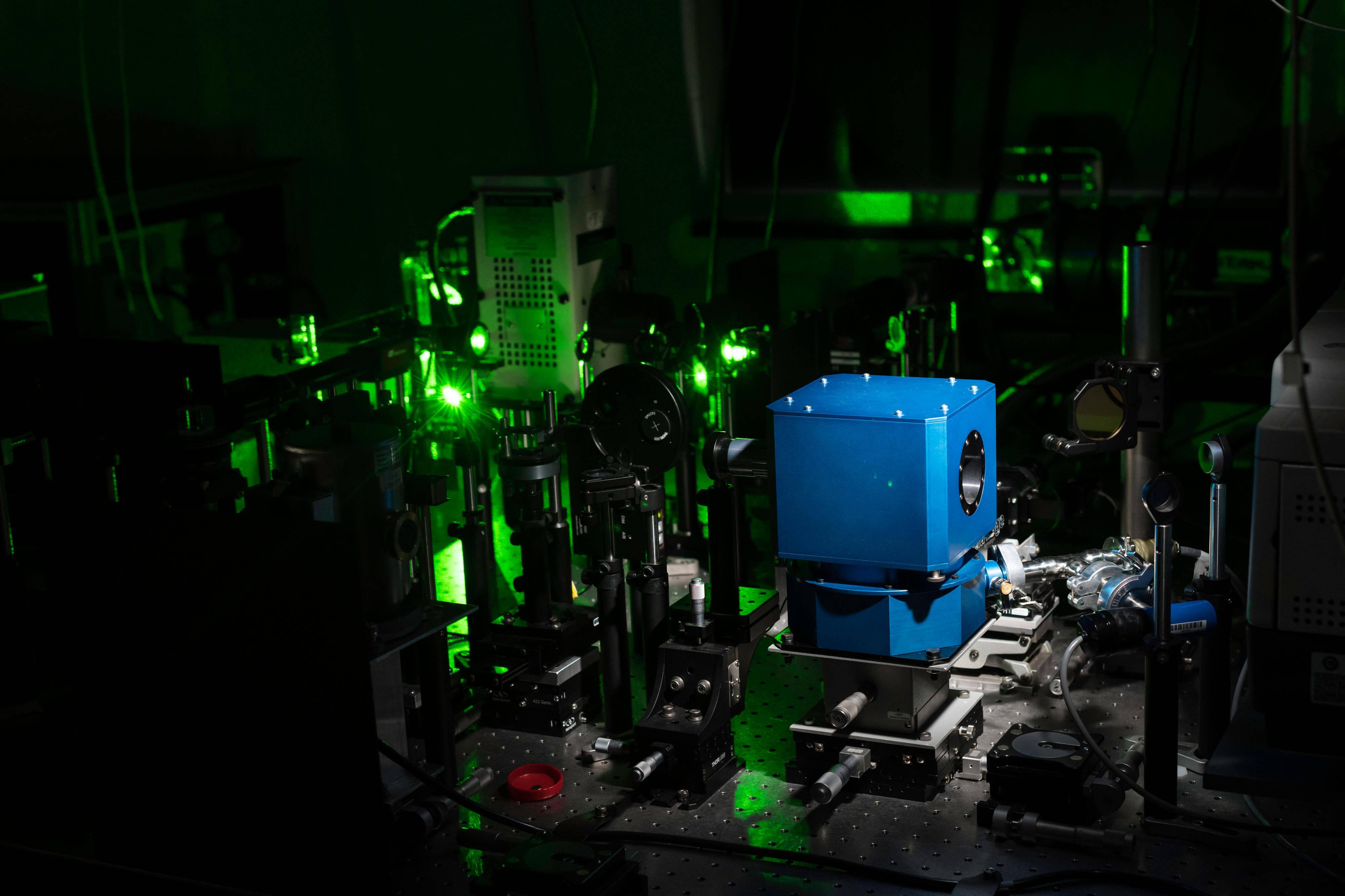 15℃!高压下人类终实现室温超导,材料曾被中国学者预言