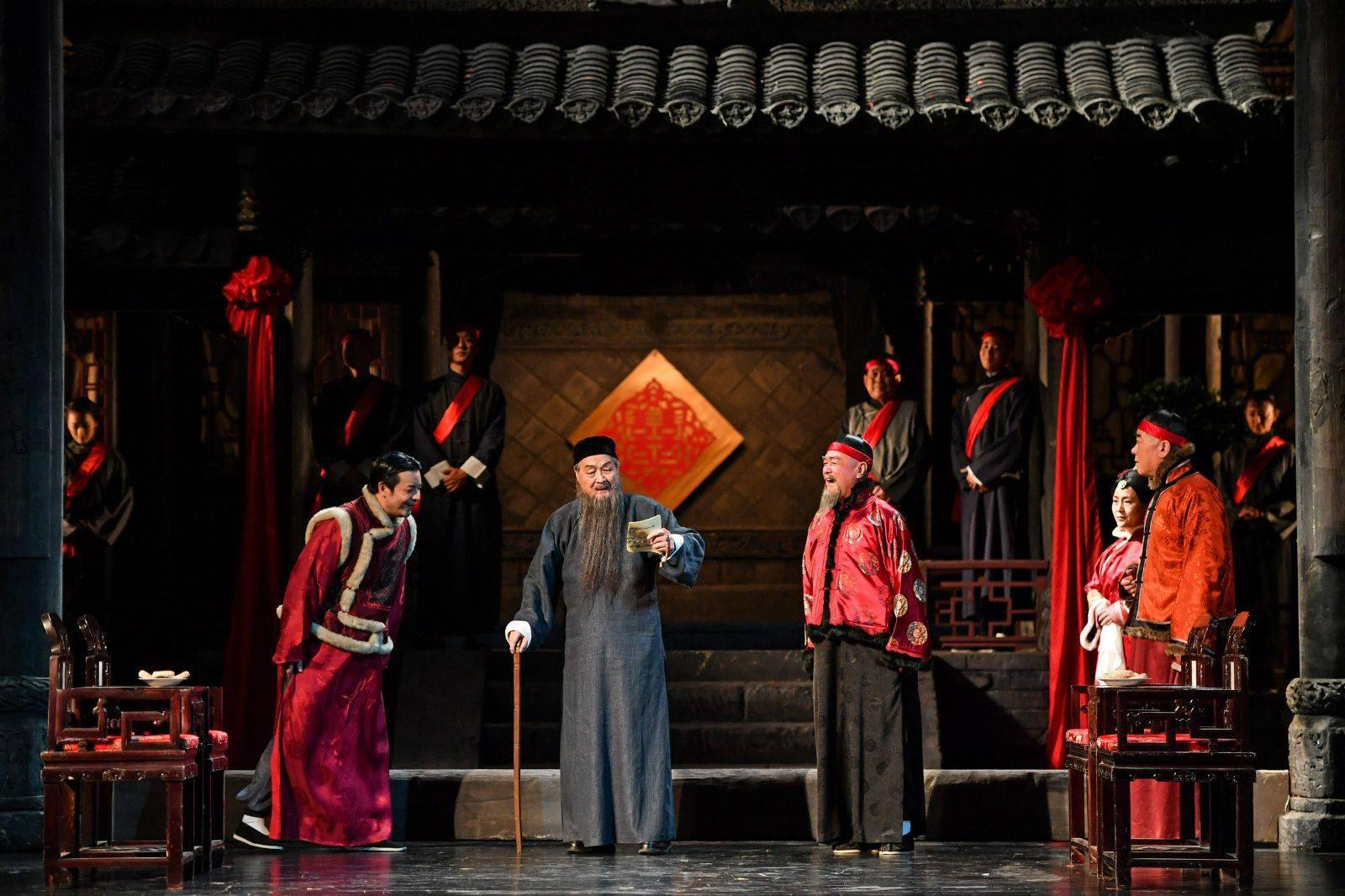 李六乙版《家》九年后重回北京人艺舞台,四代演员登台