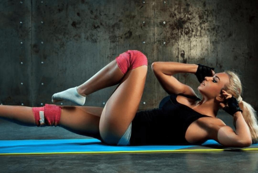 6个实用的虐腹动作,配合20分钟有氧运动,上了一节私教课