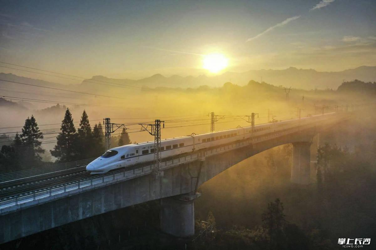 尽头9+1——长沙市对口帮扶龙山县26年纪实丨晚报特稿