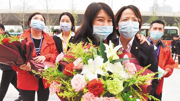 广东援鄂医疗队回访荆州