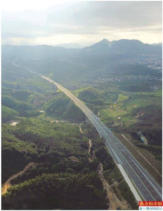 惠清高速通车 串起60个景区