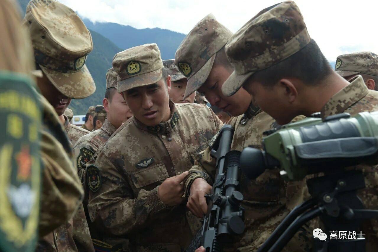西藏军区换装新型精确射手步枪