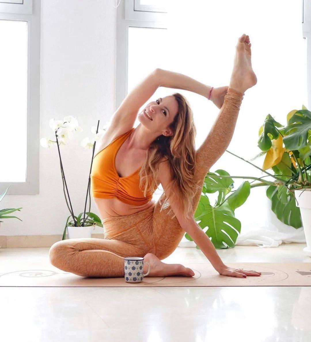 15分钟懒人开髋序列,瑜伽原来可以这样练!