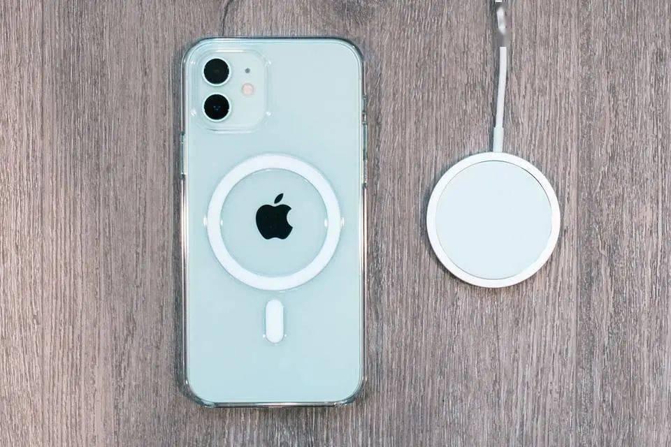 苹果还会为 iPhone 换上 USB-C 吗?