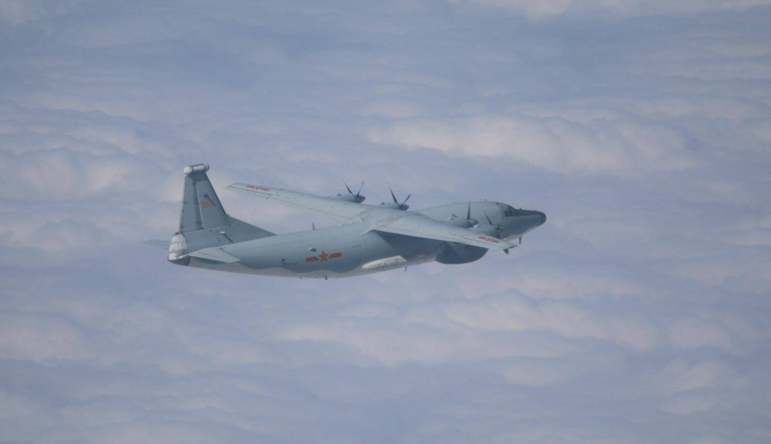 恒达官网台媒:11月第一天,解放军军机又进入台湾西南空域