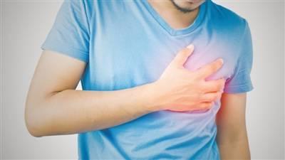 心脏病发作时用力咳嗽能救命? 会导致病情加速恶化