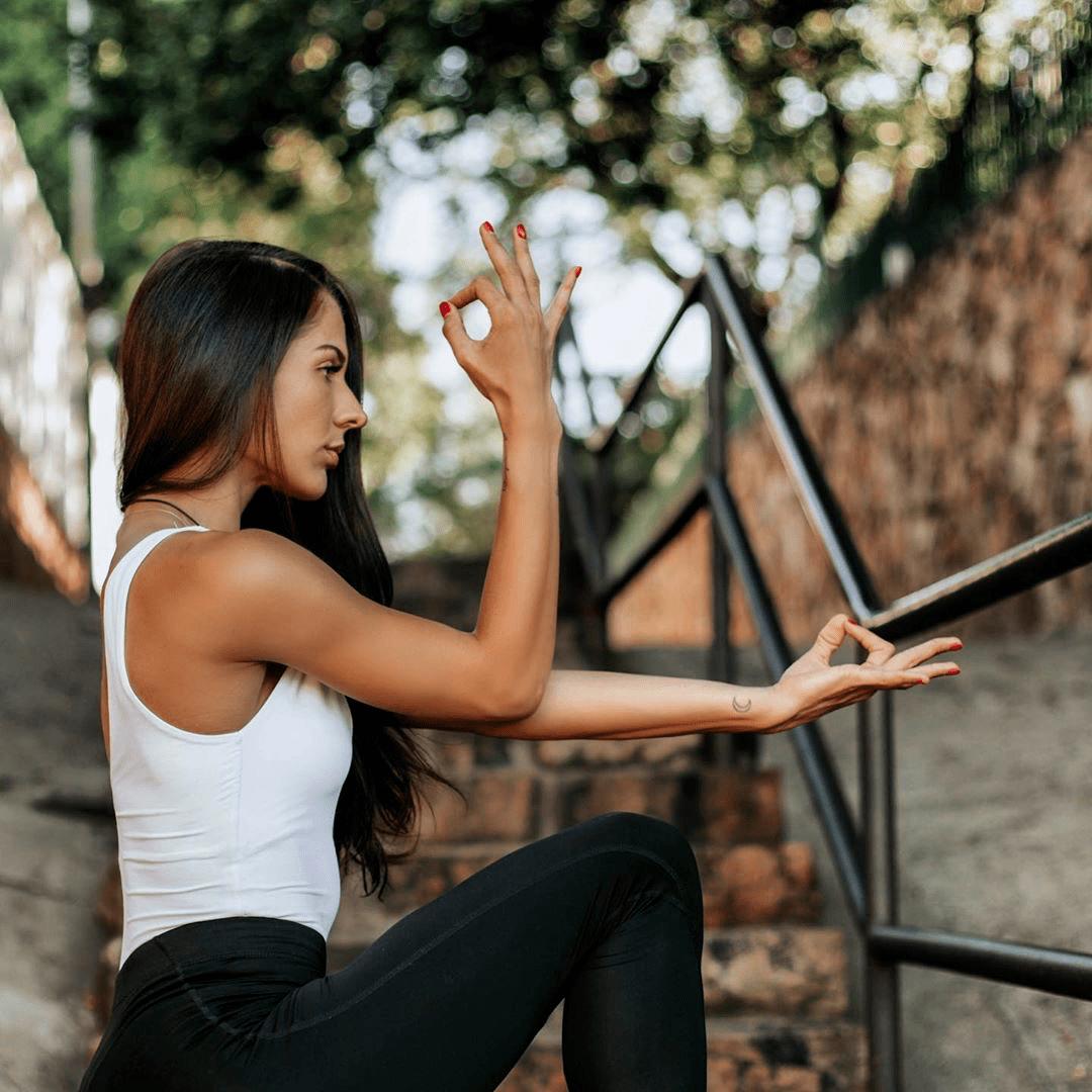 练瑜伽核心很重要!最有效的8个核心动作大全(动图)_手肘