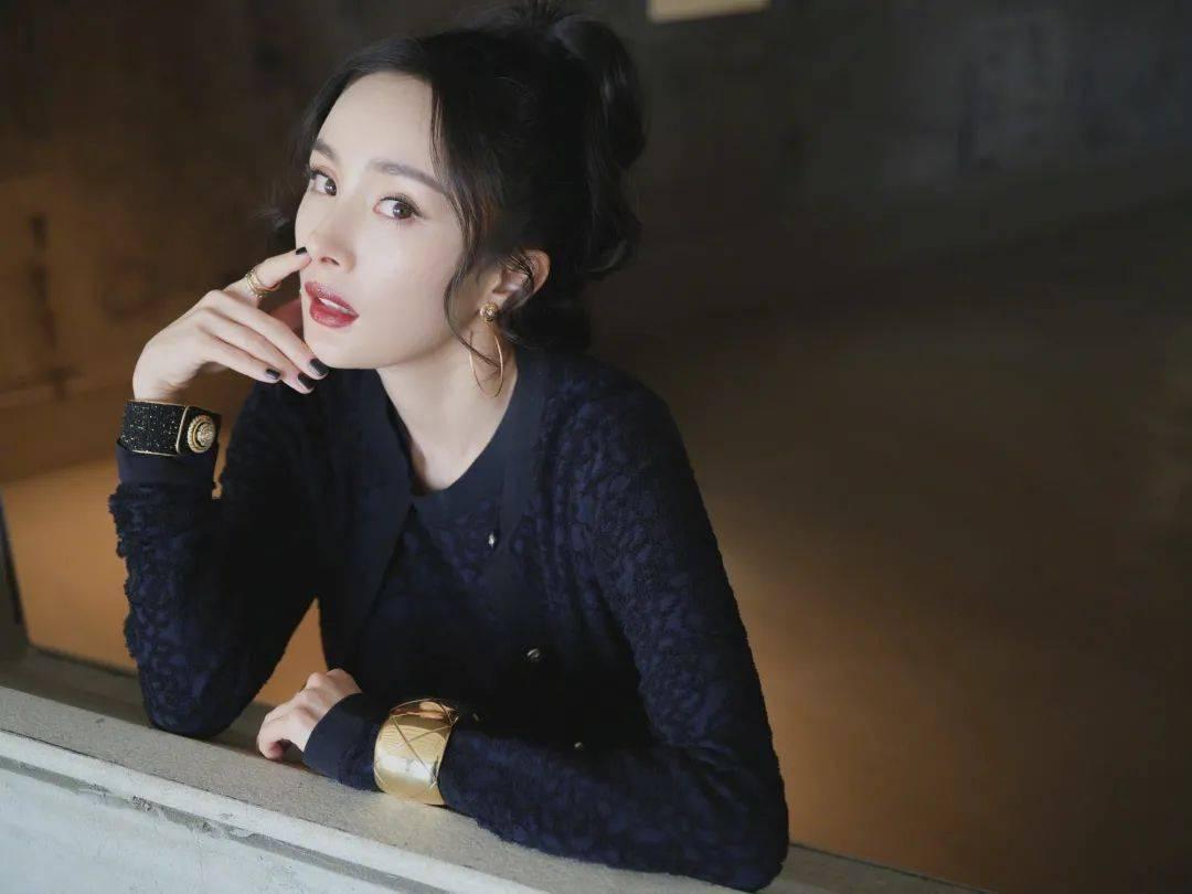 快讯 | 杨幂复古造型、王一博盛典、刘诗诗大片、宋茜美图