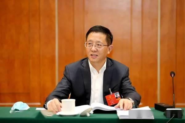 任省委书记5天后,阮成发辞去云南省长职务,王予波任代省长