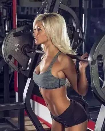 一位女士体重增加4斤,腰围瘦了,腹部更平,臀部更翘了!