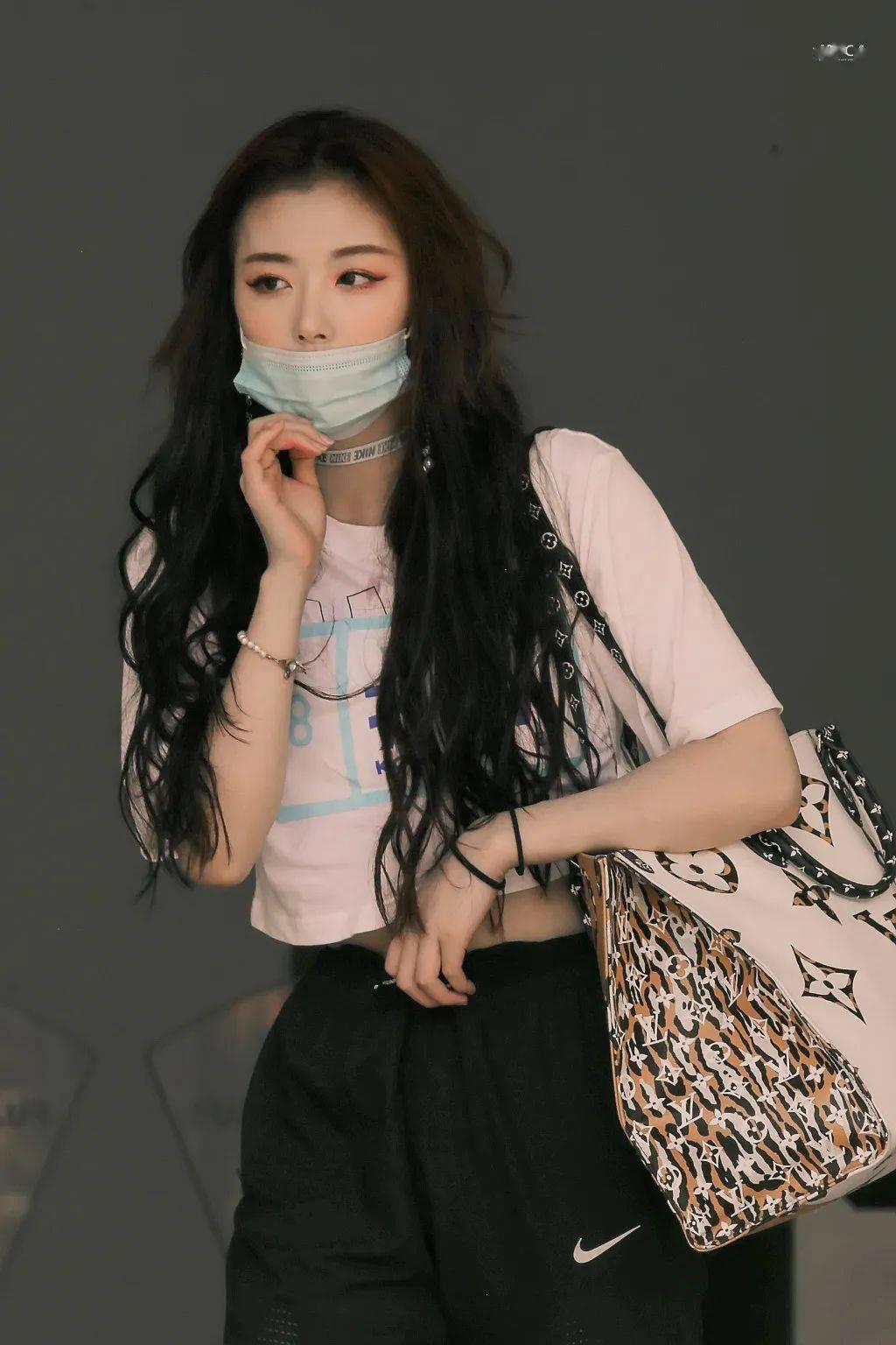 美人计   别老想着刘海能遮丑,段小薇的例子还不够?