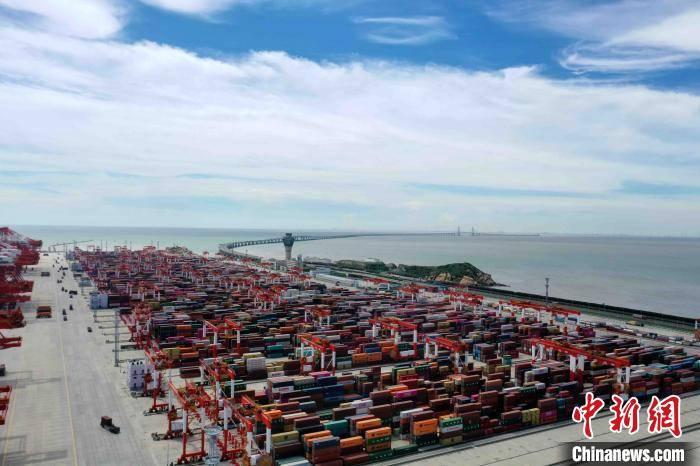 洋山四期自动化码头高效运营三周年 今年吞吐量逆势增长