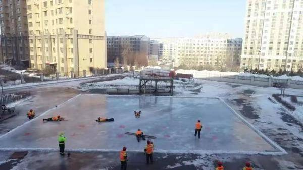 突发冰面事故怎么办?特勤实战化训练冰面上展开