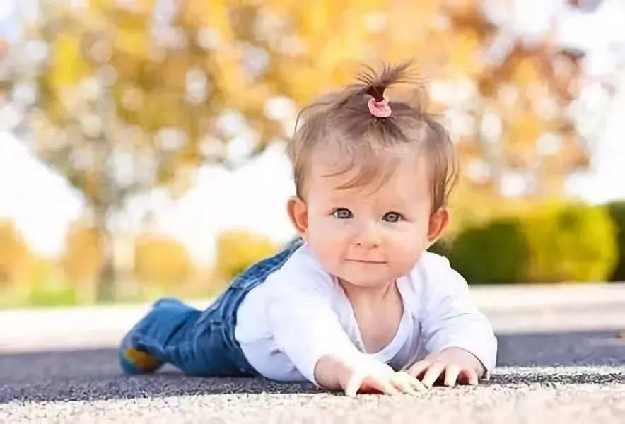 新妈妈的第一课:婴儿不应该穿敞开的裤子