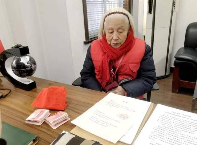 85岁的她,给年轻人上了一堂生动的党课