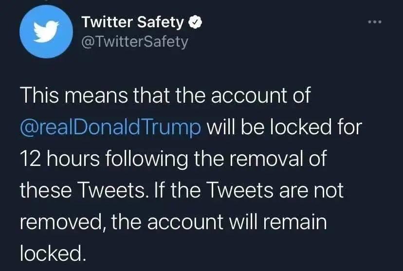 【1017丨国际】示威者冲击美国国会已致一人死亡,特朗普推特账号被封,现场视频曝光