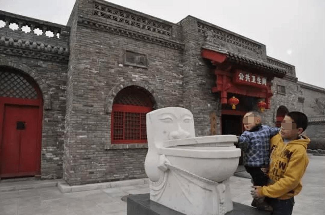 上一次山西临汾的公共厕所,恨不得直接住进去  第21张