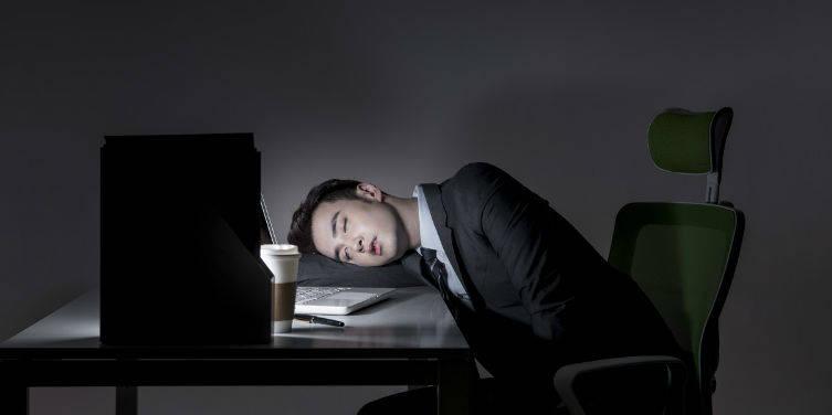 """时间丛林 ——为什么互联网打工人""""同意""""加班?"""