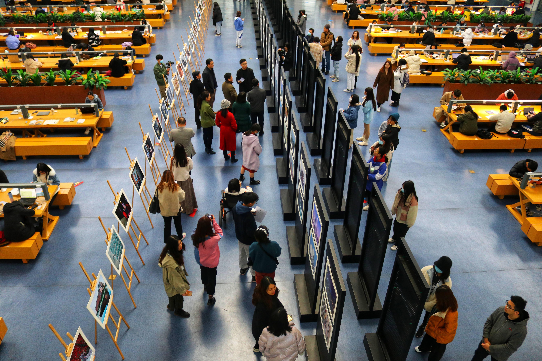 广东财经大学举办第二届新闻摄影教学成果展