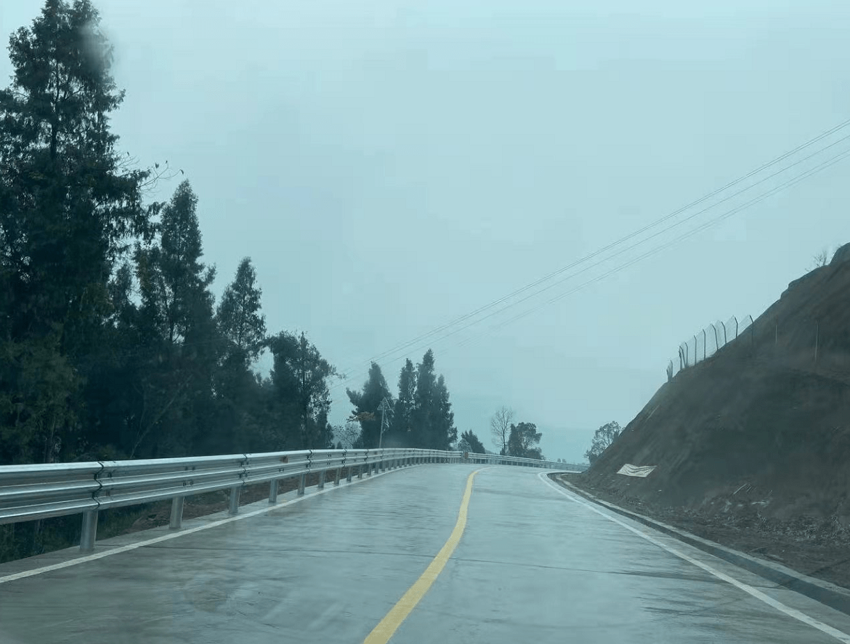 巴南东部旅游健康体验星辉总代带让市民畅快游:东温泉景区快速连接线绕景路工程建成通车