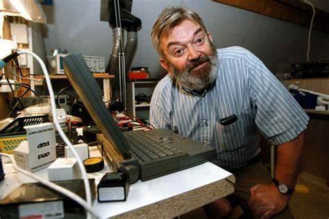 粒子物理学一生的信徒:诺奖得主维尔特曼去世,享年89岁