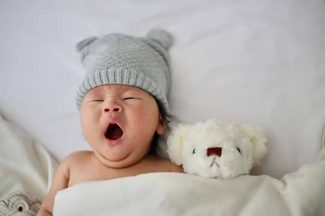 来看看0-6岁宝宝睡眠时间表!你家娃睡足了吗?