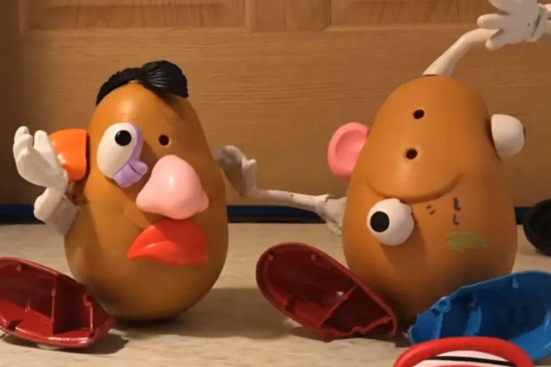 疫情宅家订阅了迪士尼频道,却发现???伴我们长大的动画都这么少儿不宜的吗?!  第8张
