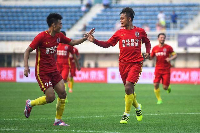U18国青教练组星光熠熠,前亚泰队魂现身挑大梁,让球迷欣喜