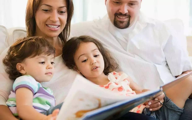 睡前讲故事好处多,家长注意三个小细节,对宝宝脑发育更好  第8张