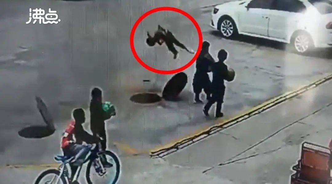 春节将至,悲剧再演!10岁男孩因这样做被炸飞5米,不幸身亡…