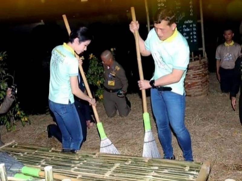 泰国国王携贵妃赴监狱扫地!恢复头衔的诗妮娜又升官了