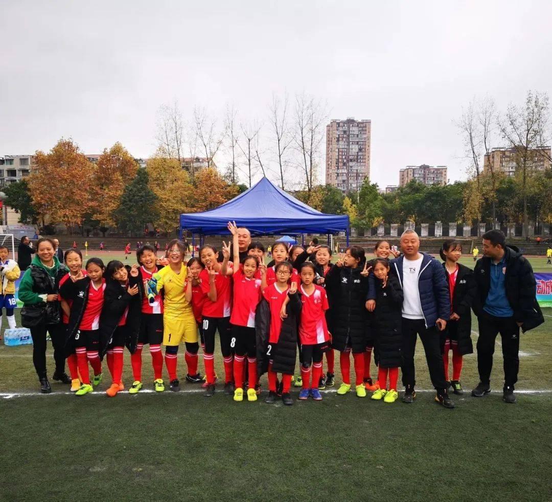 快来看!秀山校园足球队又在市级大赛中喜获多项大奖