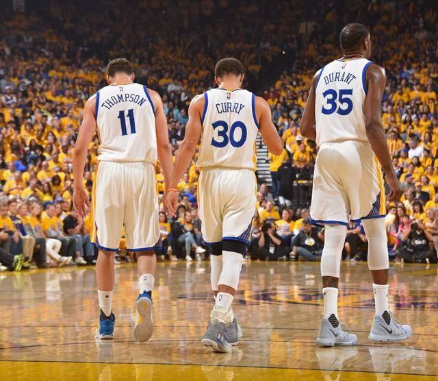 争议!美媒评历史最强三巨头,篮网一场没打进前五,热火却无缘