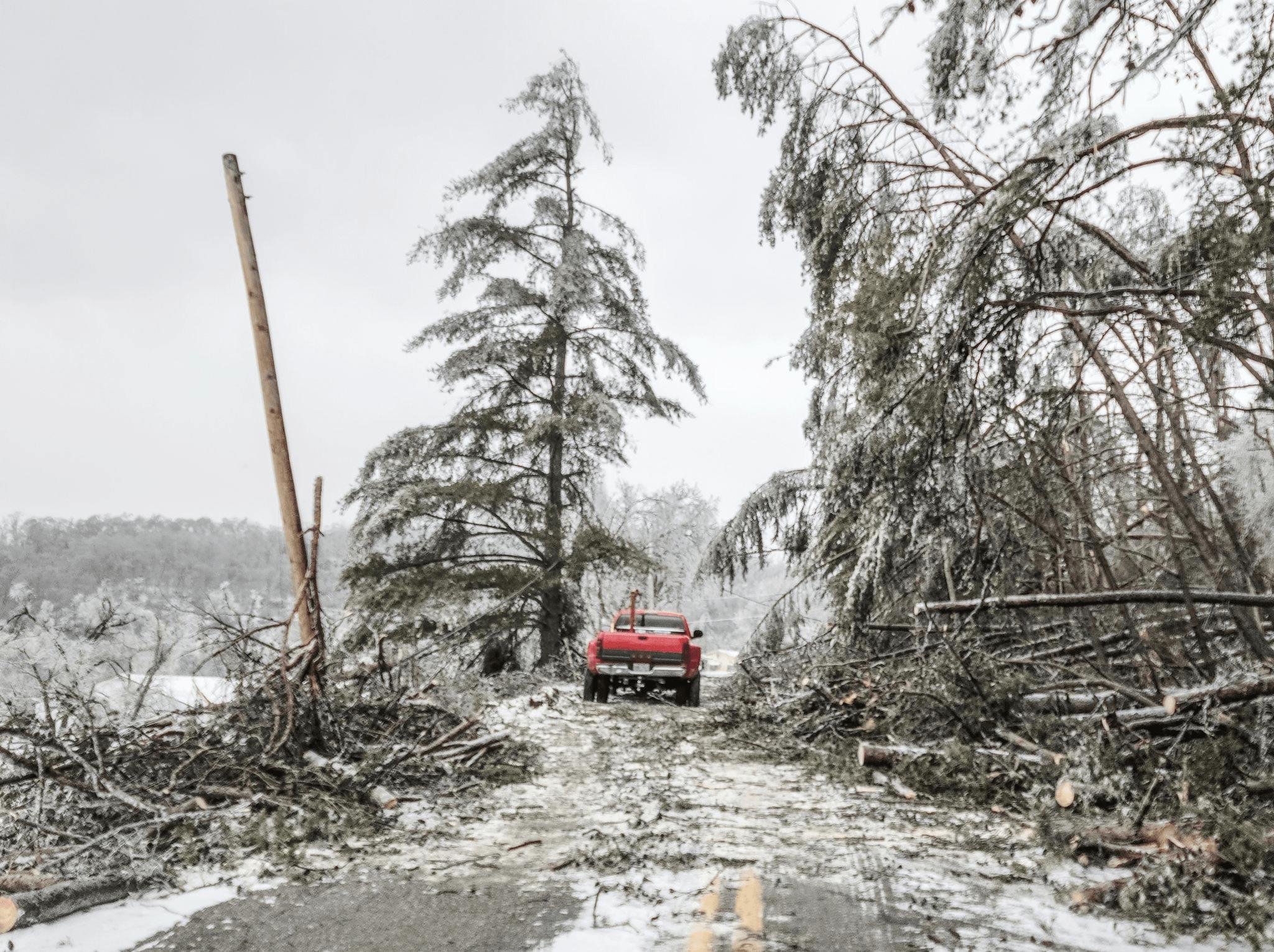 数百万美国人还断电断水,又一场风暴要来了