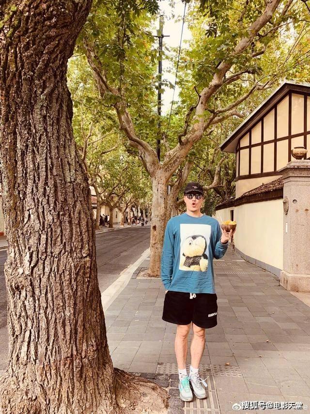 冠军刘翔转型带娃,磨皮滤镜成少年,可还是被差评
