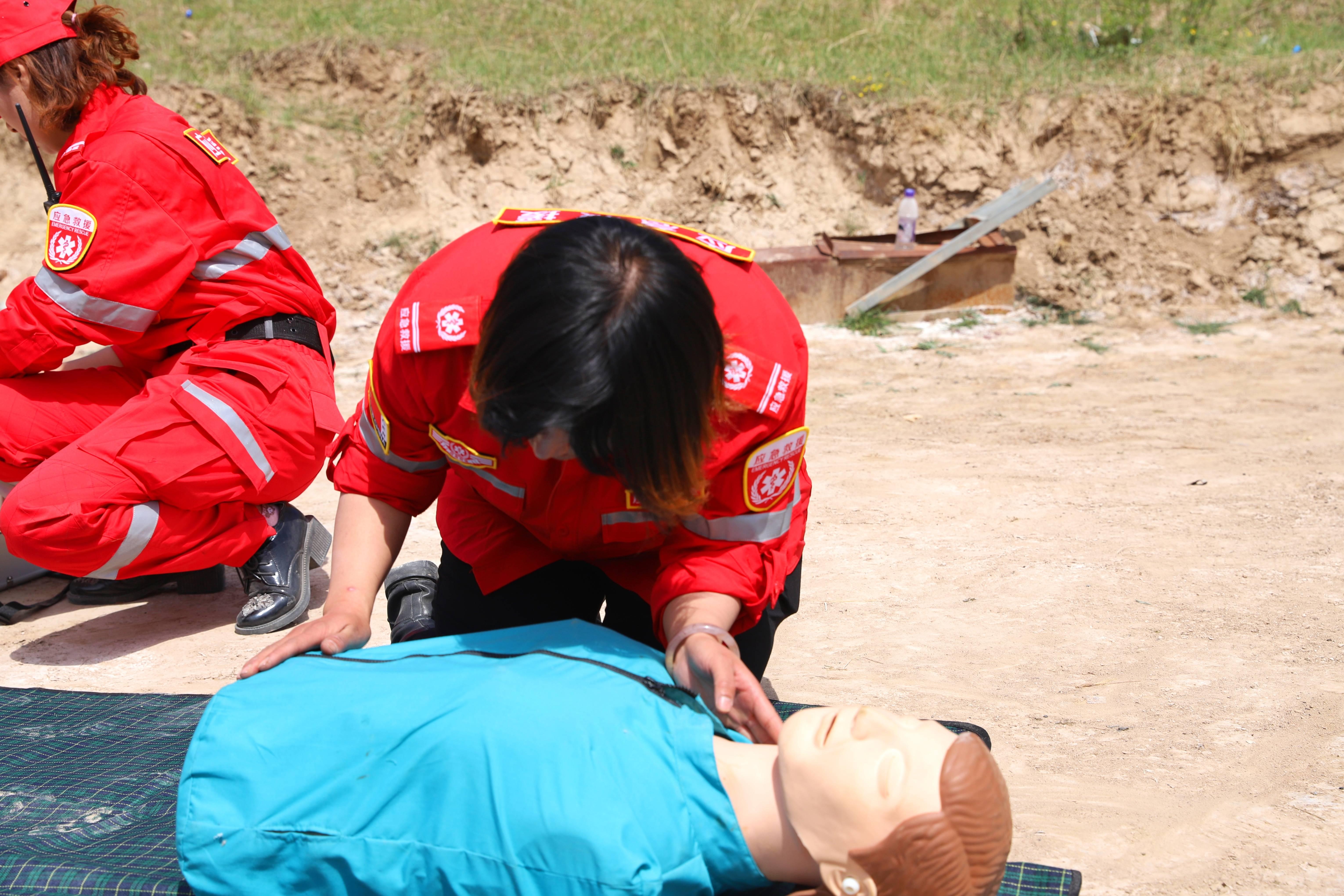 宁夏西吉县爱心协会应急救援队开展2020年第一期培训演练