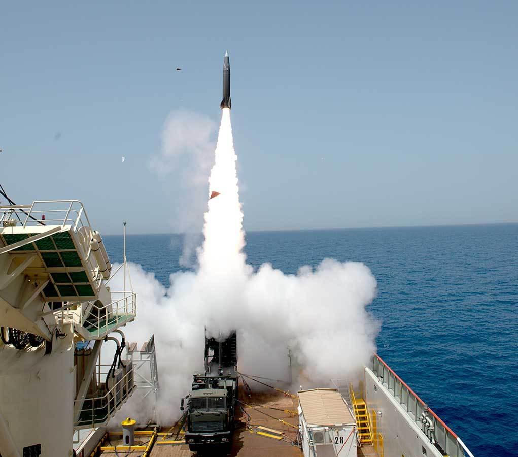 以色列新型导弹试射,飞行数百公里点穴命中靶标,却专门出口别国